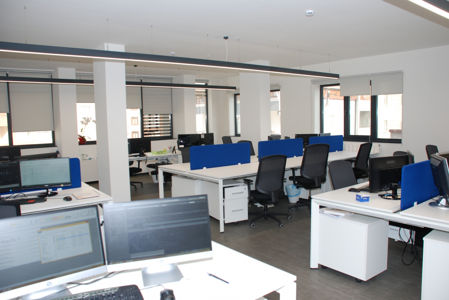 Mavi Açık Ofis
